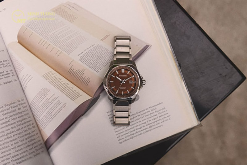 dong-ho-citizen-eco-drive-super-titanium-11