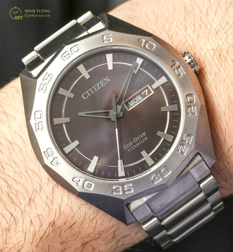dong-ho-citizen-eco-drive-super-titanium-8
